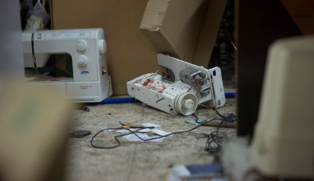 The Petah Tikva sewing machine repair shop, in which the terror suspect was captured, subdued and disarmed, February 9, 2017.