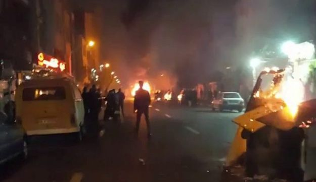 People protest in Tehran, Iran December 30, 2017 in in this picture obtained from social media. REUTERS. THIS IMAGE HAS BEEN SUPPLIED BY A THIRD PARTY.