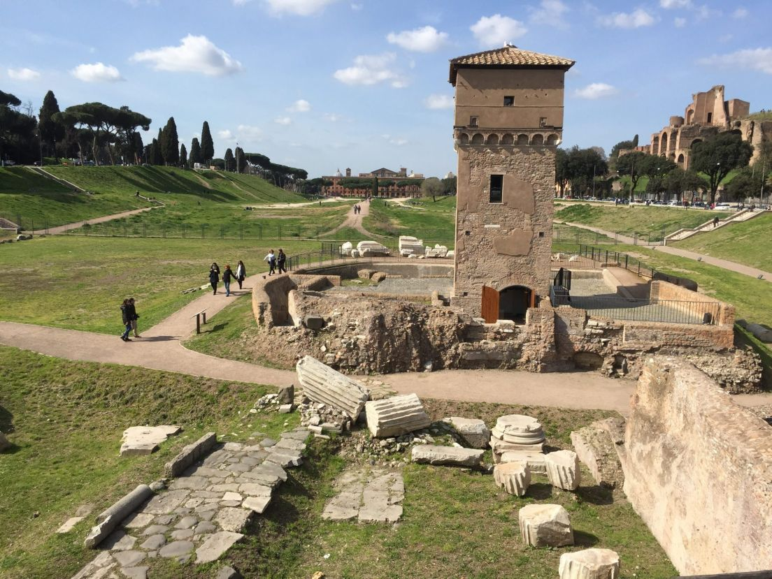 Archaeologists reconstruct how the arch of titus looked