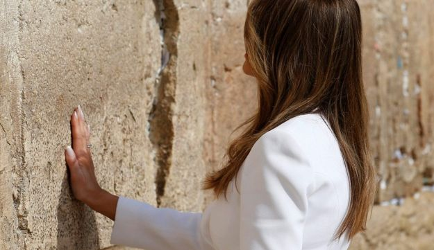 First Lady Melania Trump visits the Western Wall in Jerusalem's Old City on May 22, 2017.