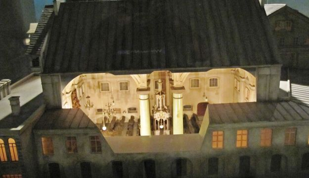 A model of the Great Synagogue of Vilna, at the Diaspora Museum, Tel Aviv