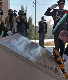 United Nations Secretary-General Antonio Guterres lays a wreath of flowers on the tomb of the late Palestinian leader Yasser Arafat in Ramallah, August 29, 2017.