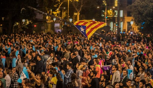 Independence supporters gather in the main square of Barcelona, Spain, October 1, 2017.