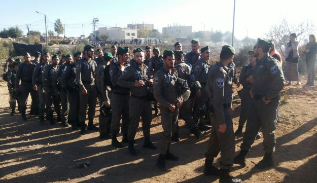 Border Police gather at Netiv Ha'avot ahead of the evacuation and demolition of the carpentry workshop there, November 29, 2017.