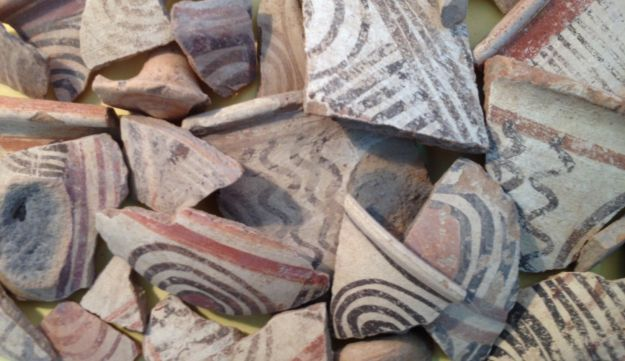 Some pieces of typically Philistine-style bichromatic and multicolored pottery found in the pre-Solomonic city found beneath Canaanite ancient Gezer.