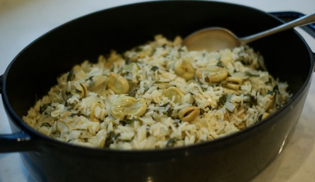 Green fava and herb rice (for ochley kitniyot only!)