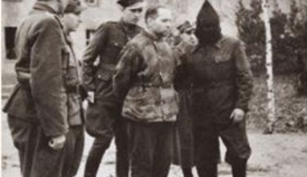 Auschwitz commander Rudolf Höss at the Nuremberg Trials in 1946, and his execution in 1947.