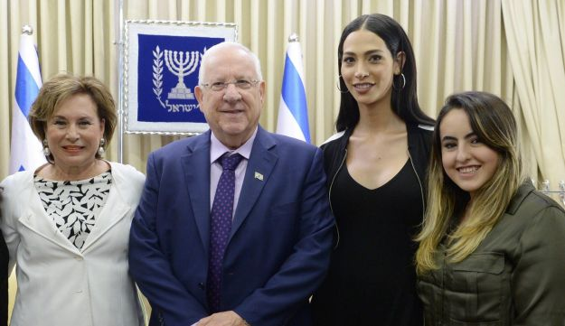 Talleen Abu Hana at a reception at the President's residence with President Reuven Rivlin, May 8, 2017.