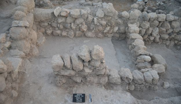 A building dated to 10th century Gezer, the era of King Solomon