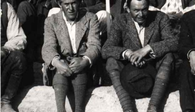 Leonard Woolley (right) and T.E.Lawrence at the excavations at Carchemish, Syria, in the spring of 1913.