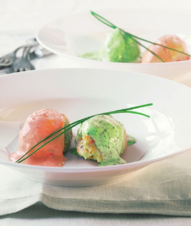 Fish quenelles with two sauces