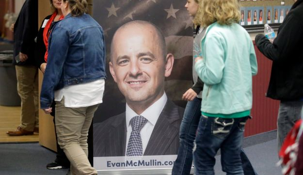 Supporters for Independent presidential candidate Evan McMullin arriving for a rally, October 21, 2016, in Draper, Utah.