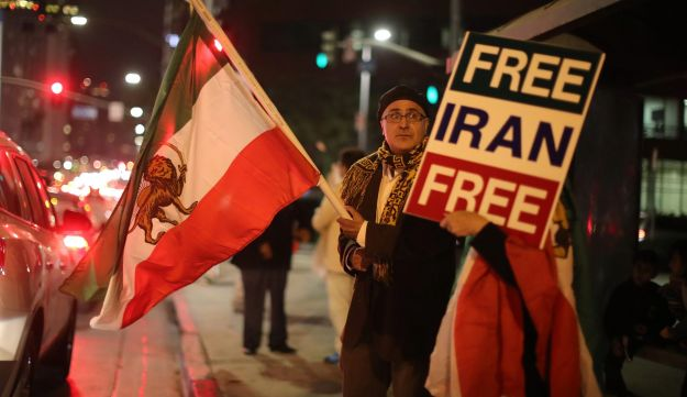 People protest in Los Angeles, California, U.S., in support of anti-government protesters in Iran,  January 3, 2018. REUTERS/Lucy Nicholson