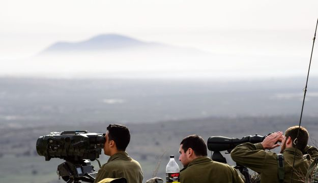 Israeli soldiers on the border with Syria, February 10, 2018.