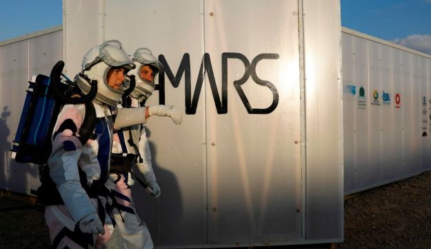 Israeli scientists perform mock Martian missions in desert