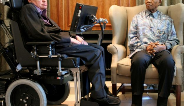 Former South African President Nelson Mandela (R) meets theoretical physicist professor Stephen Hawking at Mandela's Foundation office in Johannesburg May 15, 2008