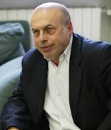 Natan Sharansky pauses during an interview with the Associated Press, 2005.