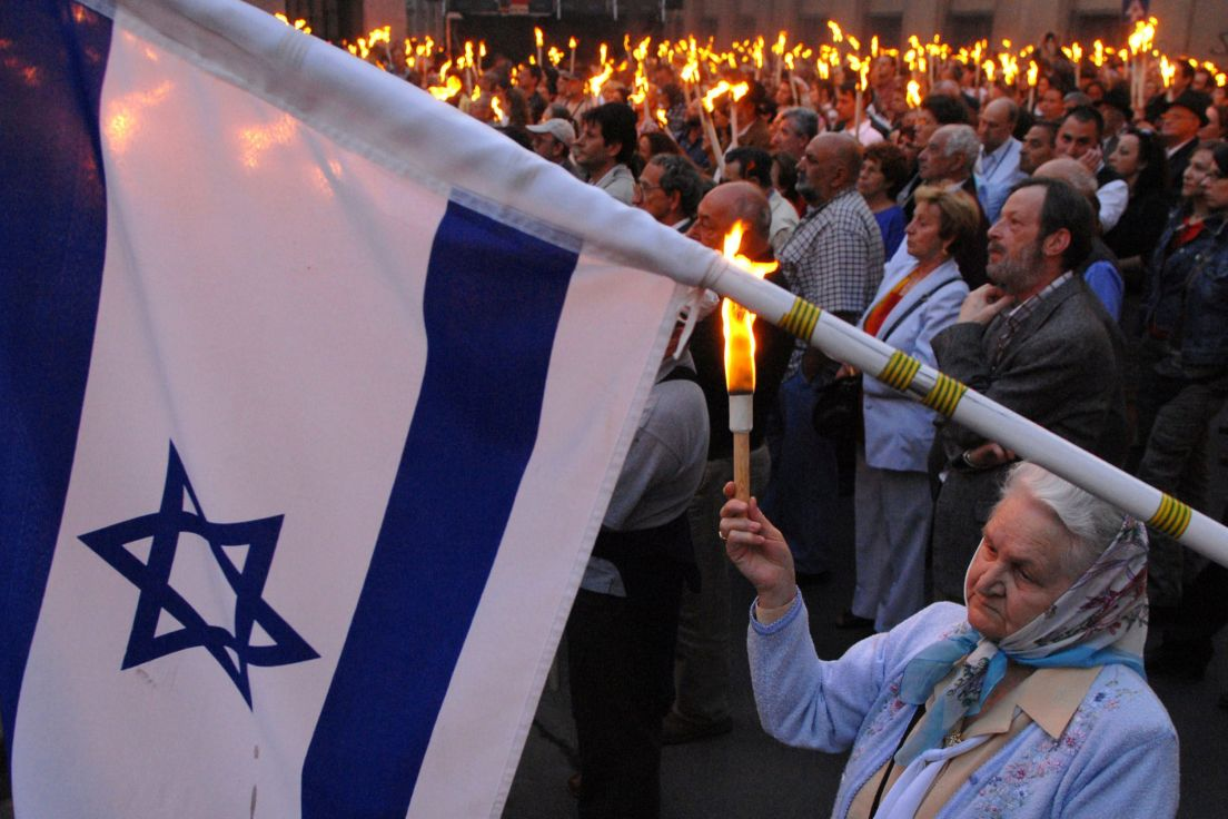 With Orban and Soros, Hungary's Jews trapped between pro