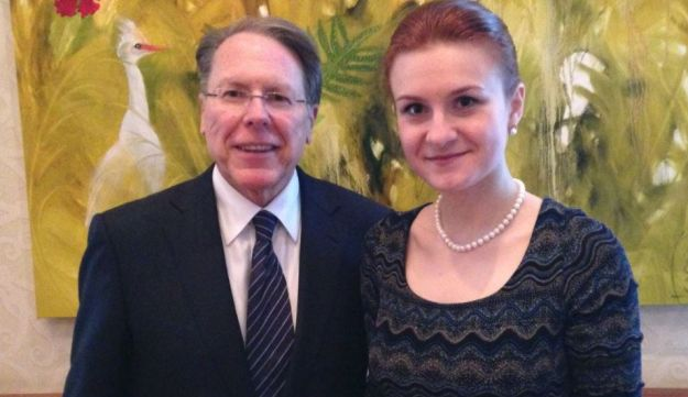Former NRA head Wayne LaPierre meeting with Maria Butina in image taken from her Twitter account