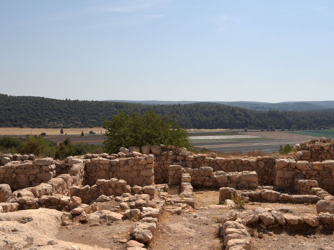 Eliyahu Shemesh: When The Jews Believed In Other Gods