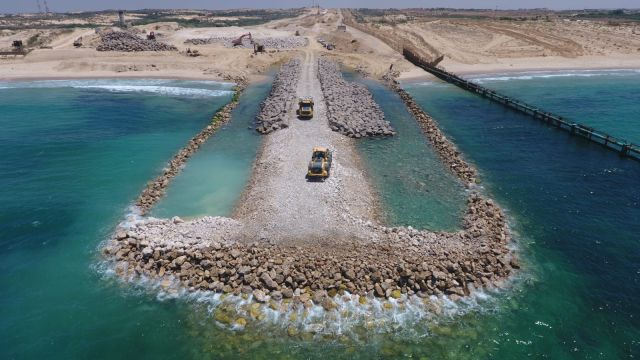 Construction of the underwater barrier north of the Gaza Strip.
