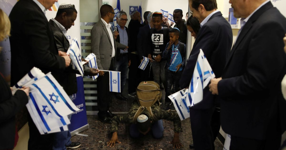 Netanyahu Welcomes the Last 43 Victims of His Callous, Cynical Reign to Israel