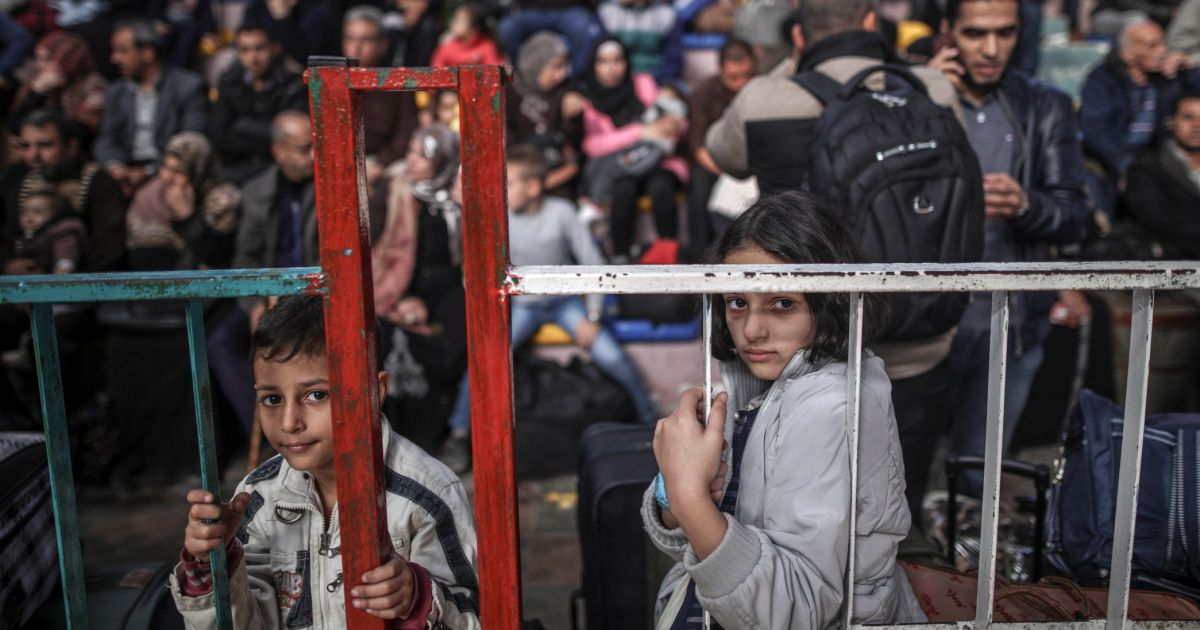 35,000 Palestinians Left Gaza in 2018; Hamas Blocking Doctors From Leaving