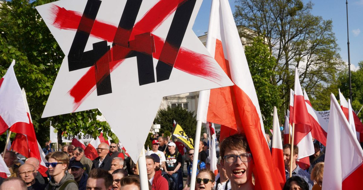 Opinion Poland's Militant Nationalists Are Targeting Holocaust Scholars, With Help From an Israeli Historian