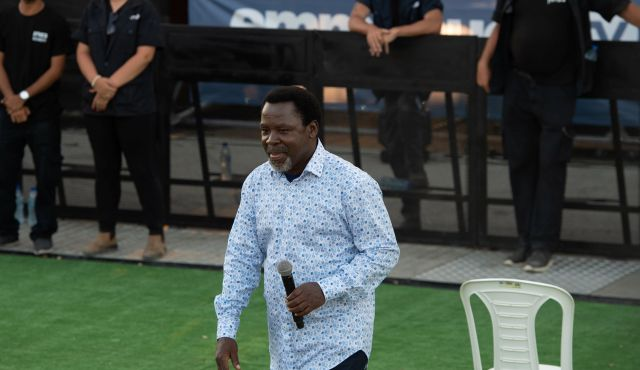 Nigerian T B  Joshua festival draws thousands from around the world