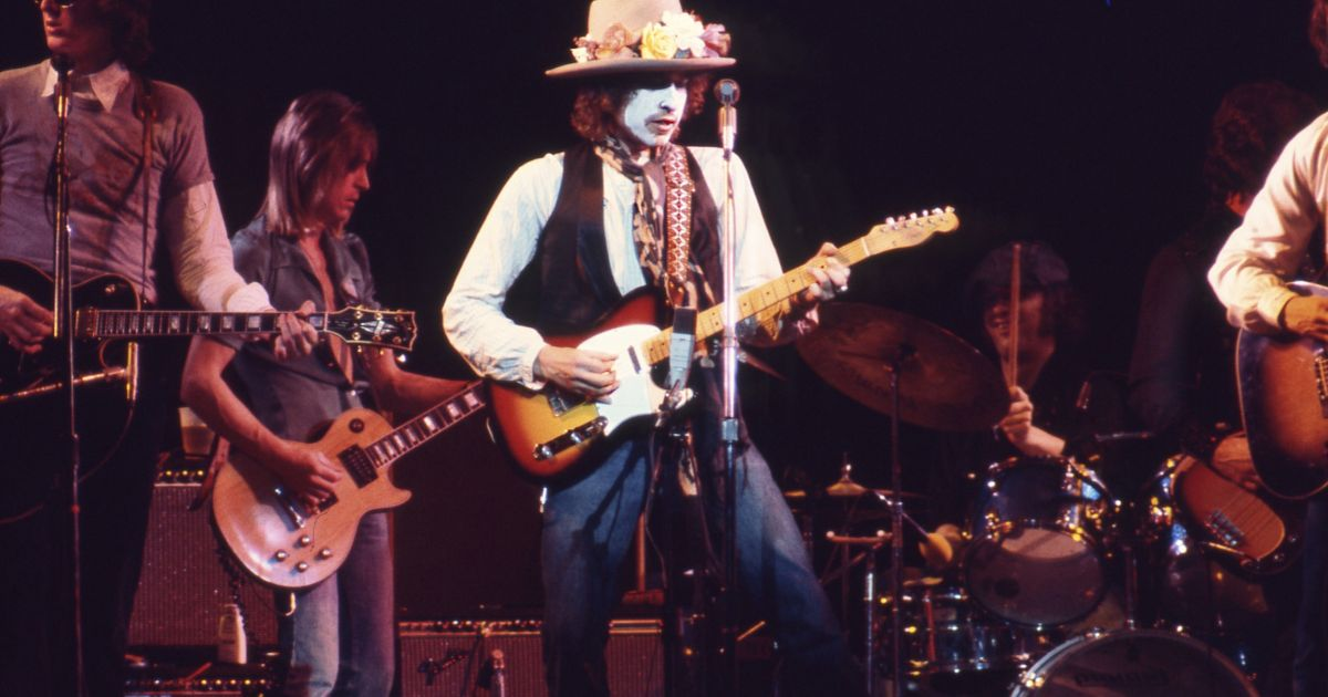 In Netflix's 'Rolling Thunder Revue,' Dylan and Scorsese Blur Fact and Fiction