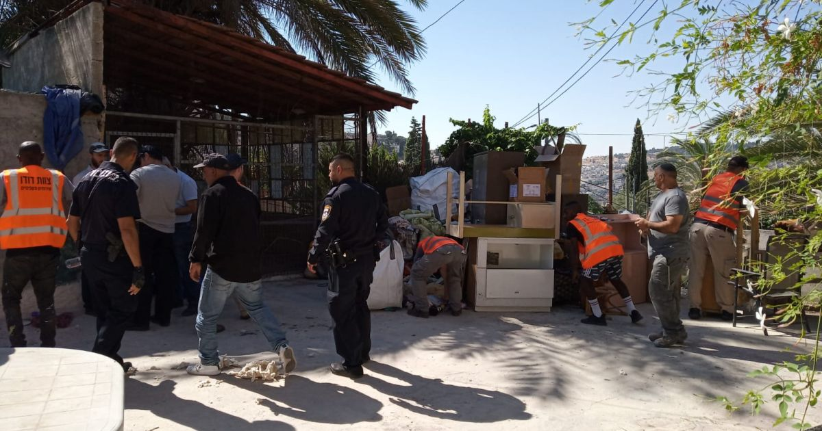 Police evict Palestinian family from East Jerusalem home, handing it to settlers