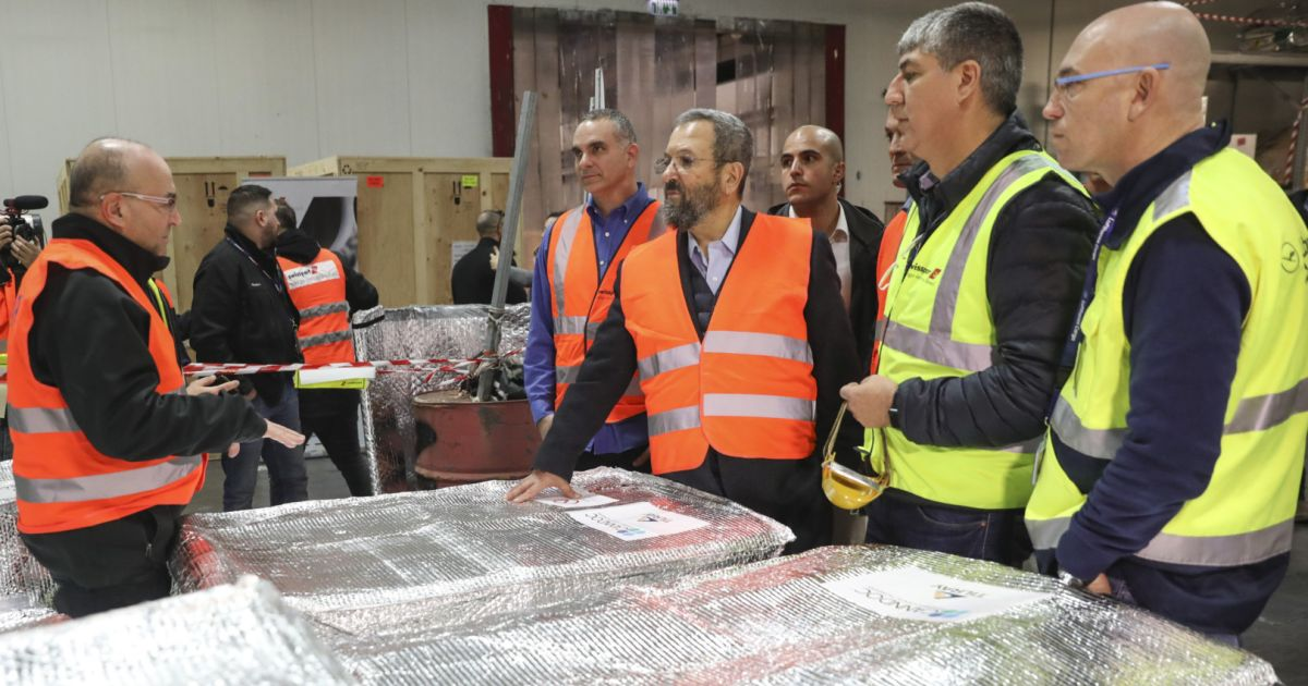 Ehud Barak greets Israel's first commercial cannabis import