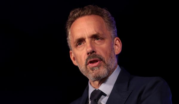 Jordan Peterson speaking at Turning Point USA's 2018 Young Women's Leadership Summit, Dallas, Texas. 15 June 2018