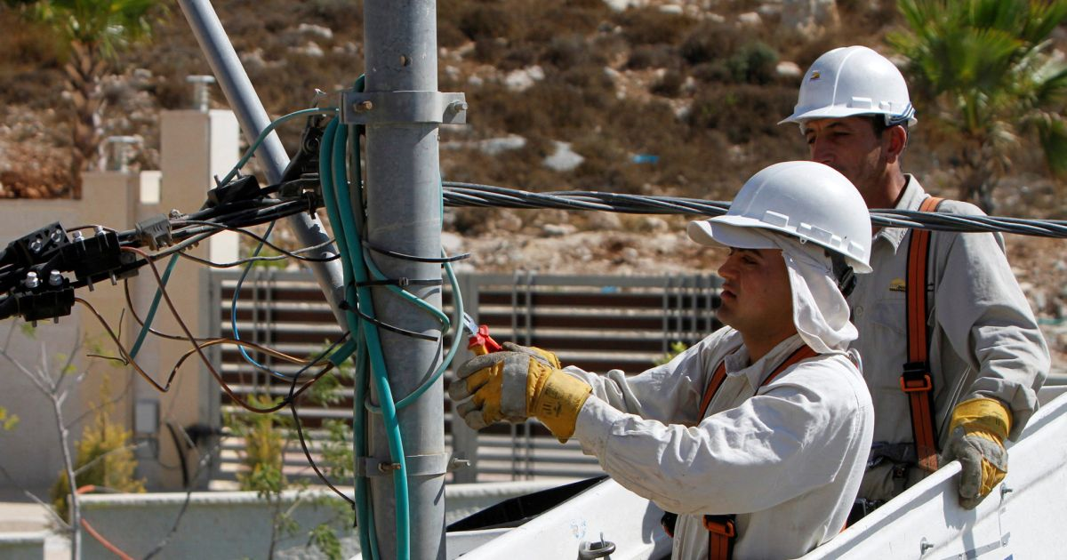 Israel Gives PA Control Over Three West Bank Power Stations